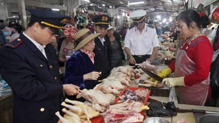 Thực phẩm ở chợ có nguy cơ mất vệ sinh khá cao